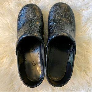 Dansko Women's Black Tooled Professional Clogs Size 42